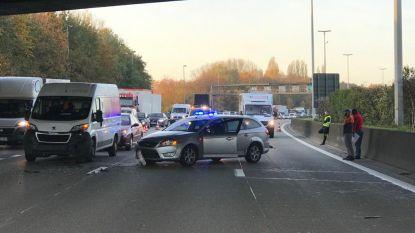 Opnieuw zware spits in Antwerpen door ongeval met 5 voertuigen in Berchem