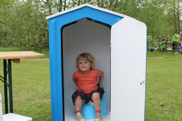 Het pop-up WC-huisje dook woensdag voor het eerst op in Limburg.