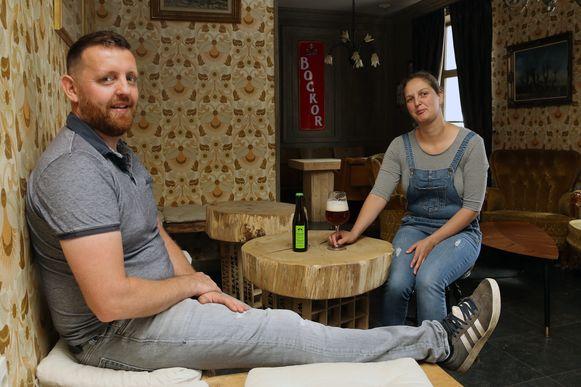 Davy Van Laer en An Aerts in hun thuiscafé.
