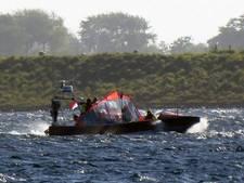 Kanoërs belanden in ijskoud Veerse Meer en raken onderkoeld