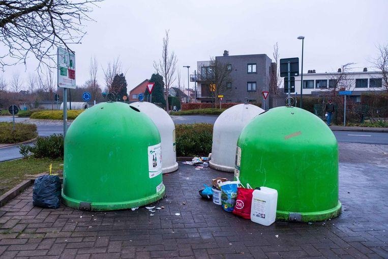 Er komt een camera aan deze glascontainers langs de Koning Albertlaan in Kessel-Lo.