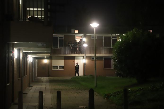 De politie kwam met diverse eenheden naar de Waterstraat na de melding van een schietpartij.