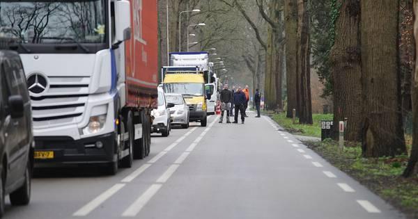 Ernstig ongeval, N348 tussen Zutphen en Gorssel dicht.