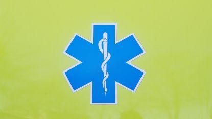 Bromfietser gewond na aanrijding met personenwagen