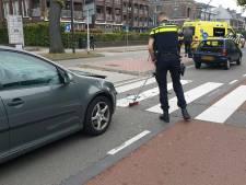 Veel schade na kop-staartbotsing op Hengelosestraat in Enschede