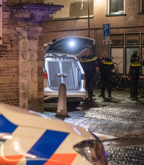 Confrontatie voetbalfans Feyenoord en Heerenveen in Woerden