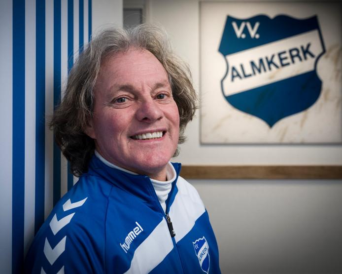 Nederland,  Almkerk, trainer van voetbalclub Almkerk Ad van Seeters