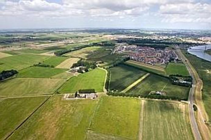 Het buitengebied van Kampen in de zomer van 2008. Ruim voordat de aanleg van de bypass start.