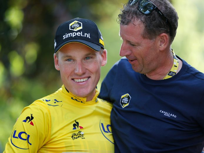 Mike Teunissen met ploegleider Frans Maassen.