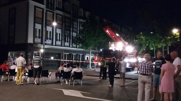 De brand bij restaurant Pincho's in Valkenswaard trok veel bekijks.