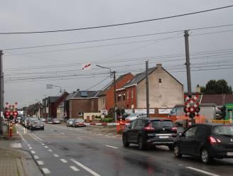 Spooroverweg Wichelsesteenweg tot en met woensdag 2 december afgesloten