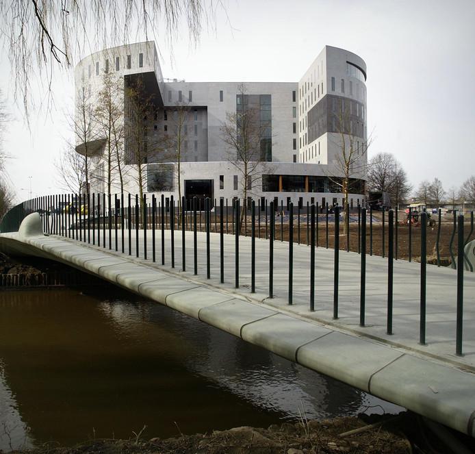 Gebouw Kennispoort op het terrein van de TU/e-Campus in Eindhoven.