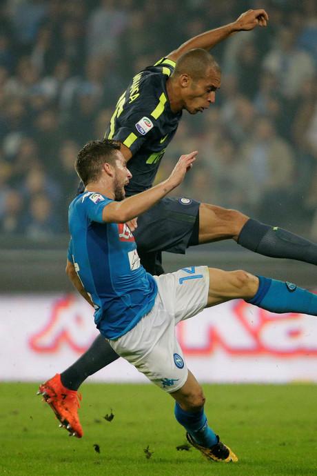 Inter maakt einde aan zegereeks Napoli