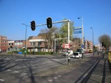 Nieuwe verkeerslichten op kruispunt Boerendijk-Hoge Rijndijk worden 'slim'