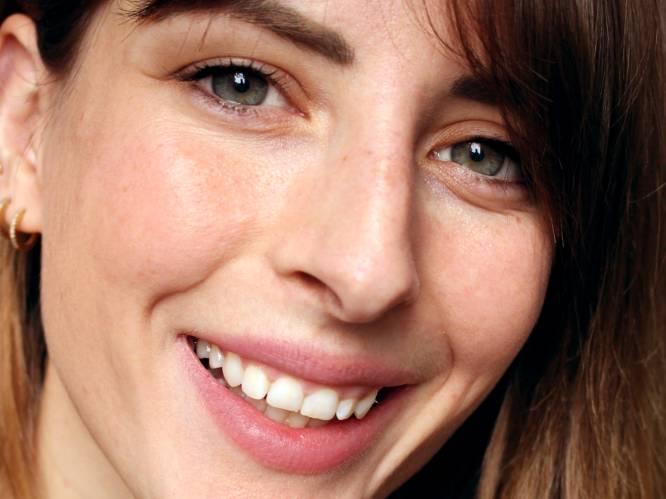 """Beautyredactrice Sophie (30) heeft nu een mooiere huid dan toen ze 20 was. """"En dat heeft alles te maken met de juiste reinigingsroutine"""""""