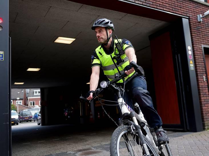 Politie veiliger door bodycam: 'Als boze burgers dat rode lichtje zien, dimmen ze wel'