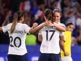 Gastland Frankrijk worstelt zich naar kwartfinale