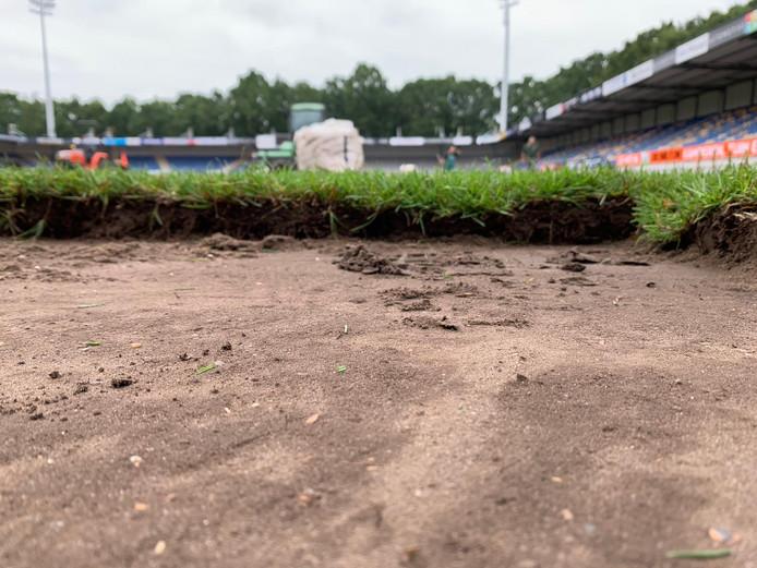 Echt gras in het Mandemakers Stadion.