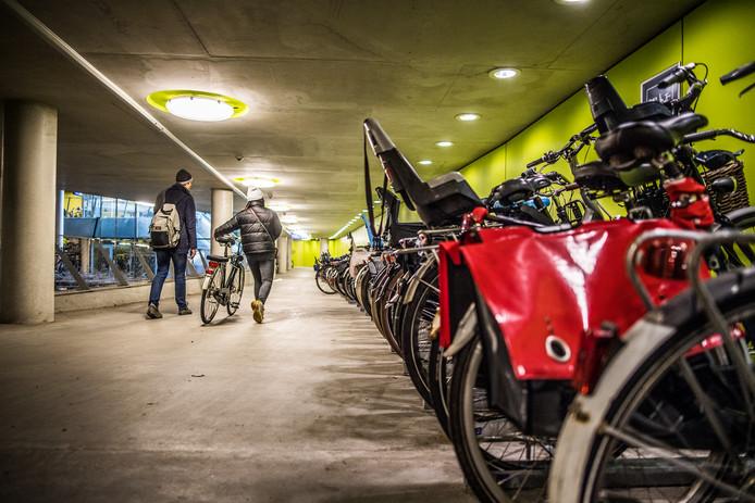 fietsenstalling sfeerbeeld Arnhem.