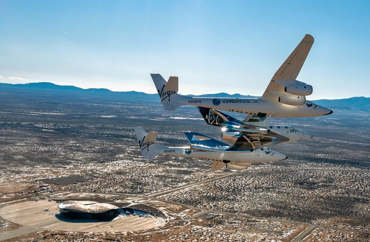Virgin Galactic's VSS Unity vliegt over Spaceport America in Truth of Consequences in New Mexico.