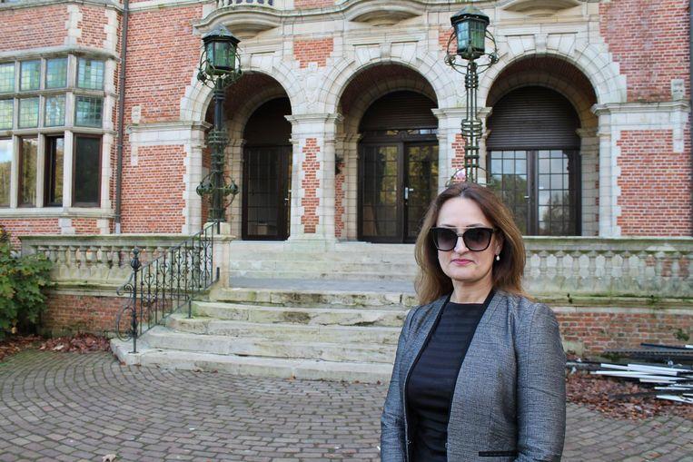Vesela Subotic opent designbedrijf Creativity in het kasteel Hallehof.