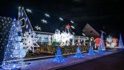 Aan dit fraai verlichte kersthuis in Zingem heeft Steve negen maanden gewerkt