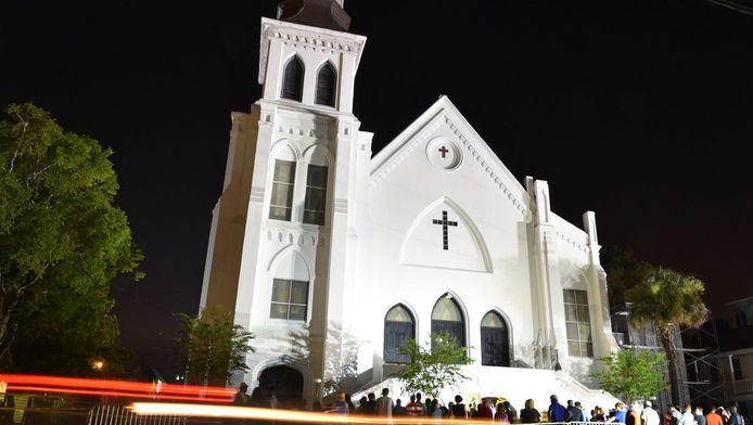 De kerk waar de schietpartij plaats vond