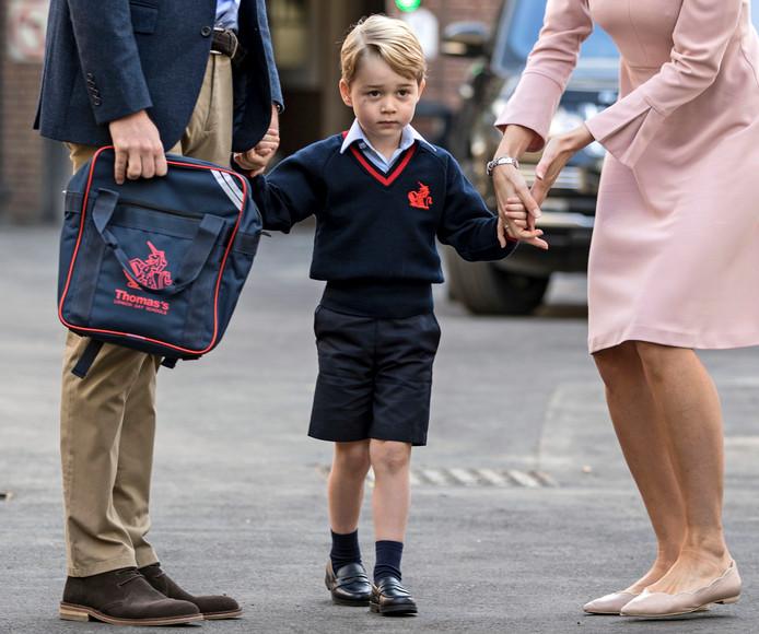 Prins George op weg naar zijn kleuterschool