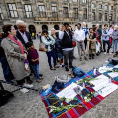 Inzamelingsacties, een wake op de Dam: Nederland staat stil bij aanslagen Sri Lanka