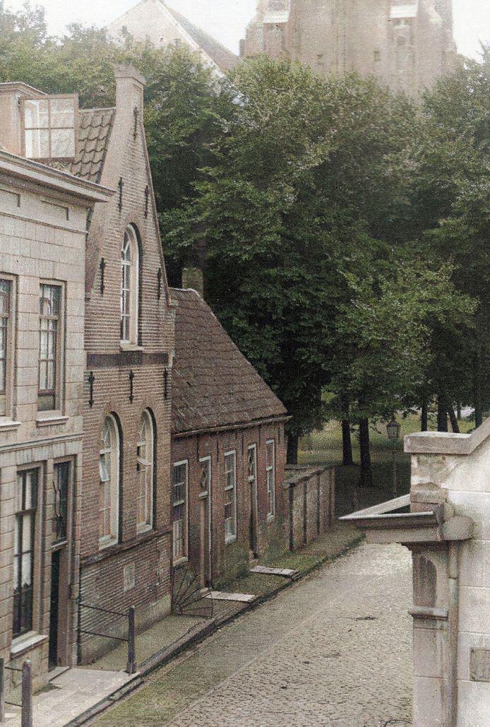 Synagoge aan de Meelstraat in Zierikzee voor 1920.