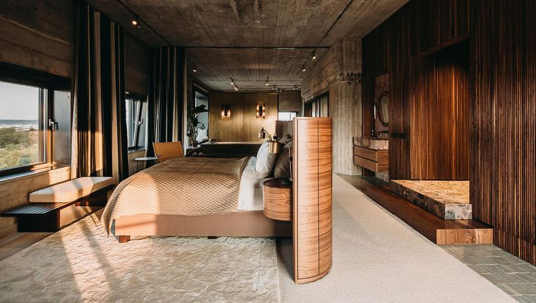 De loft in Maastricht, die Roll en Urbanus volledig mochten indelen en inrichten met vintagemeubels Beeld Eva Bloem