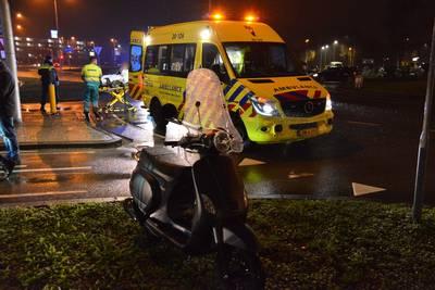 Jonge scooterrijdster aangereden op rotonde voor Ikea Breda