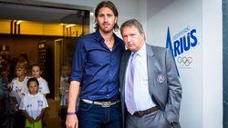 """Van Holsbeeck schept klaarheid rond plannen met Frutos: """"De kans dat hij trainer blijft? Niet klein"""""""