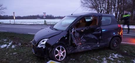 Twee gewonden bij botsing op Hamelandroute bij Lichtenvoorde