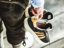 Sneakerfabrikant komt met bierbestendige sportschoenen