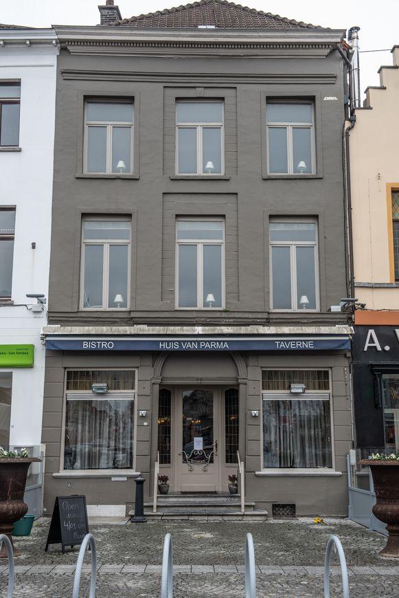 Het Huis van Parma aan de Markt in Oudenaarde is voortaan niet enkel een restaurant, maar ook een tea-room.