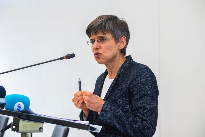 Gouverneur Cathy Berx vorige week op haar persconferentie waar de provinciale maatregelen werden aangekondigd.