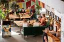 Ook in een groot pand als Foodhall Breda mogen maar 30 gasten tegelijk binnen zijn.