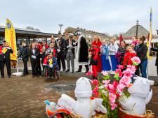Jubilerende Smooksnuivers vieren carnaval ondanks storm