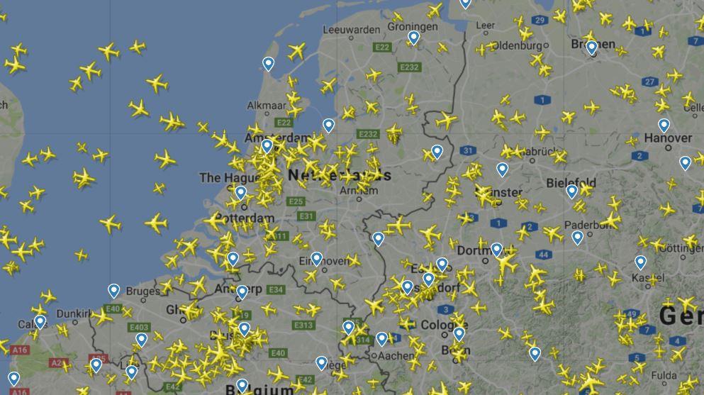 Een live weergave van de vluchten aankomend en vertrekkend in Nederland op 29-06-2018 om 11.30 uur.
