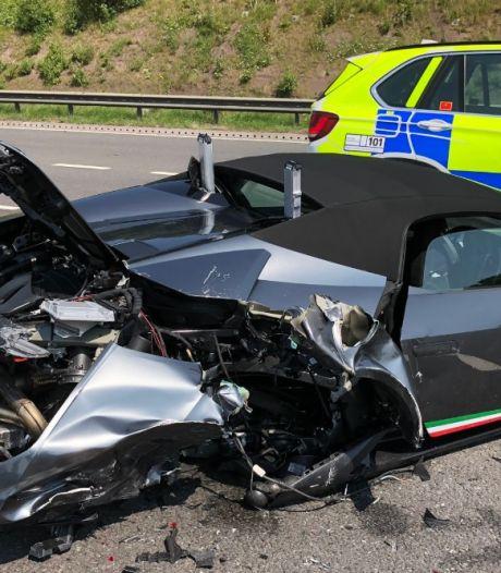 Nachtmerrie: koper haalt nieuwe Lamborghini op, 20 minuten later is auto van 2 ton total loss