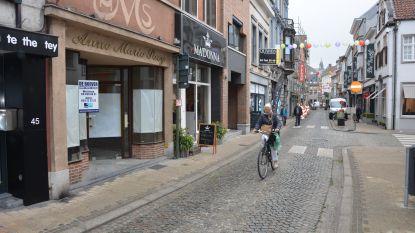 Politie doet controle in fietsstraten Kerkstraat en Luikstraat via camera's