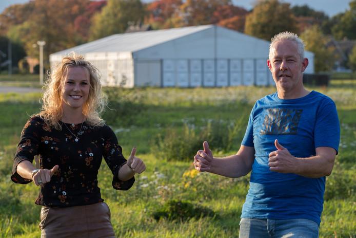 In oktober kondigden Wesepenaren  Indi Overmars en Sjaak ten Broeke er het Allerlaatste Tentfeest aan, binnenkort nemen bouwbedrijven weer een hap uit het gebied.