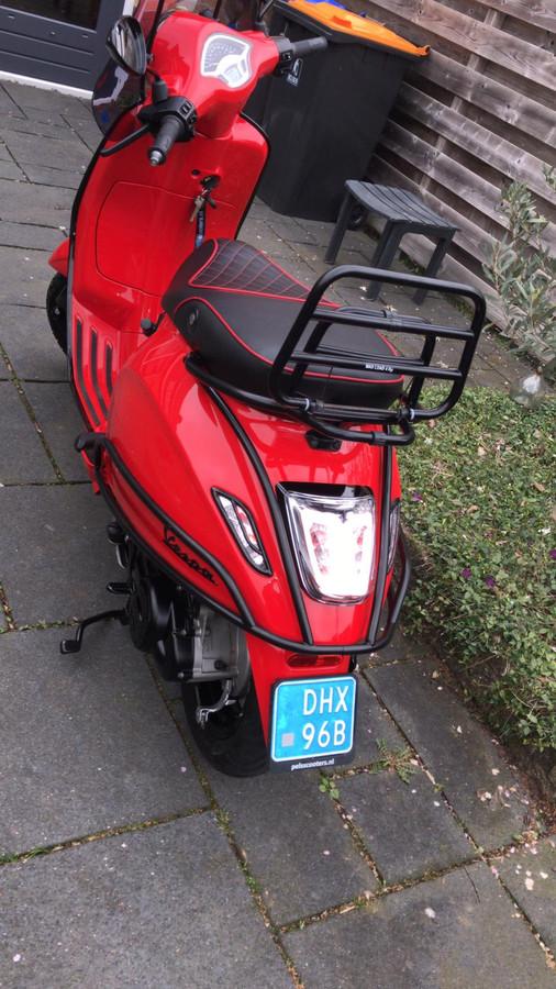 Gezocht wordt naar de scooter met kenteken DHX96B