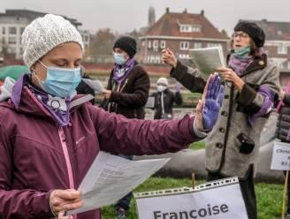 Betogers zingen in Kortrijk tegen vrouwengeweld, al 21 vrouwen vermoord in 2020
