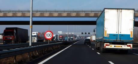 Agenten vinden half miljoen euro in verborgen ruimte van auto; mannen uit Doetinchem opgepakt