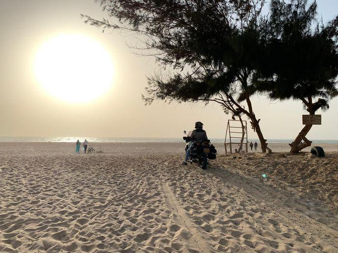 Vier motorrijders vast in Senegal