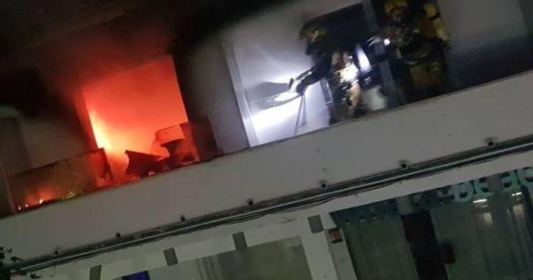 Het vuur was pas na enkele uren onder controle.