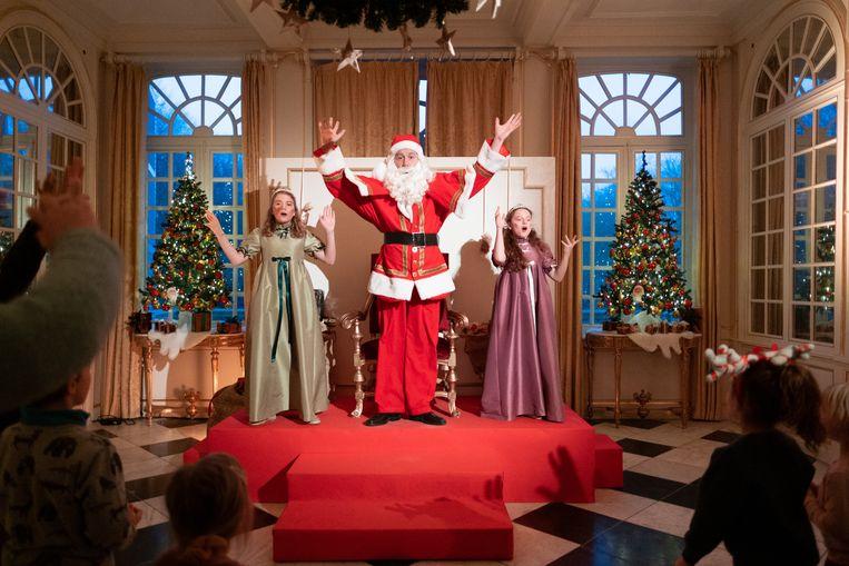 De laatste voorstellingen van Kerstmagie worden gespeeld in Kasteel d'Ursel in Hingene.