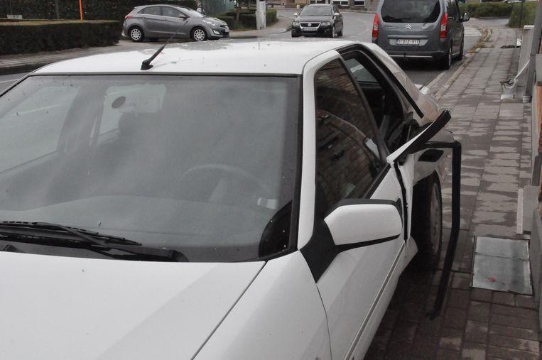 De auto werd achteraan in de flank gegrepen.